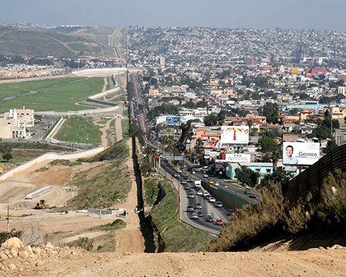 HIUS 383, Distant Neighbors: The United States and Mexico